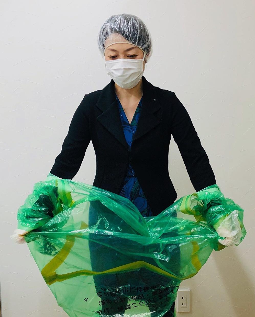 ゴミ 袋 で 防護 服